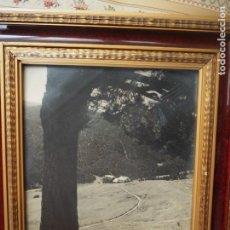 Fotografía antigua: LA MOLINA. PAREJA DE FOTOGRAFÍAS ANTIGUAS 1951-53, CON MARCOS ANTIGUOS IGUALES. PAISAJES.. Lote 287904548