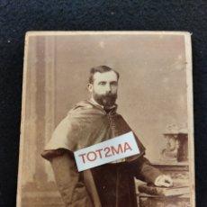 Fotografía antigua: ANTIGUA FOTOGRAFIA, DEDICADA EN 1849. CABALLERO CON CAPA O SIMILAR.. Lote 288902783