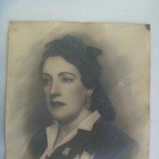 Fotografía antigua: PRECIOSA FOTO DE ESTUDIO DE SEÑORITA, RETOCADA POR ARTISTA .... 24 X 29 CM. Lote 290133943