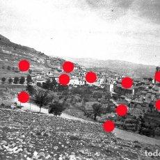 Fotografía antigua: + VILLARLUENGO HACIA 1950 ANTIGUO NEGATIVO ORIGINAL 4.5 X 6.5 CM TERUEL ARAGÓN. Lote 295735423