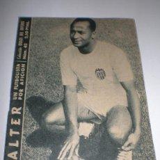 Coleccionismo deportivo: IDOLOS DEL DEPORTE Nº 42 WALTER (1959),MEDIDAS 16X12 CTMOS. Lote 26754467