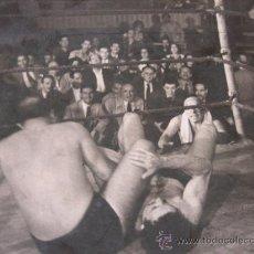 Coleccionismo deportivo: FOTOGRAFIA COMBATE DE BOXEO AÑOS 50?. Lote 19713475