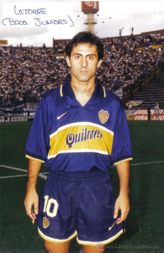 FOTO DE LATORRE CON EL BOCA JUNIORS - GOLY (Coleccionismo Deportivo - Documentos - Fotografías de Deportes)