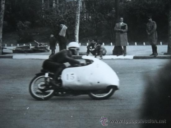 Coleccionismo deportivo: CARRERAS DE MOTOCICLISMO - 15 FOTOGRAFIAS - MONTJUIC - 1950-1960'S - Foto 4 - 31703921