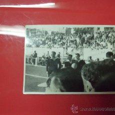 Coleccionismo deportivo: FOTO PARTIDO FUTBOL AÑO 1958 DE UN ARBITRO COLEGIADOS PARTIDO EUROPA L'HOSPITALET ORIGINAL EPOCA. Lote 32034480