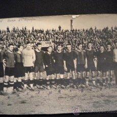 Coleccionismo deportivo: FOTOGRAFIA DEL FUTBOL CLUB BARCELONA 3 EQUIPO TEMPORADA 1927-1928 CAMPO DE LAS CORTS.. Lote 32038512