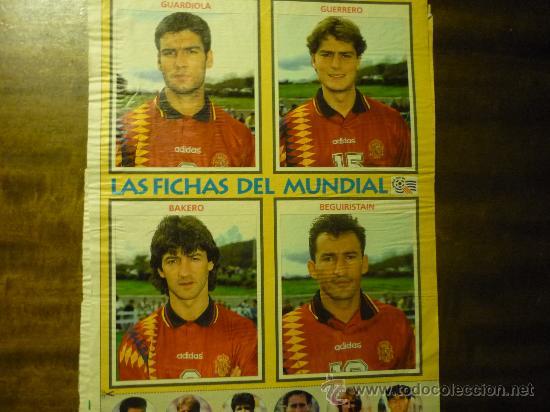 HOJA REVISTA CON JUGADORES SELECCION ESPAÑOLA FUTBOL (Coleccionismo Deportivo - Documentos - Fotografías de Deportes)