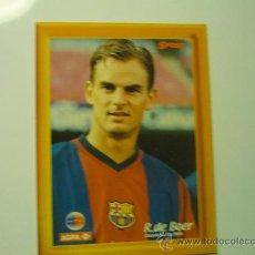 Coleccionismo deportivo: R. DE BOER FOTO CARTULINA LLEVA PIE PARA PONERLO SOBREMESA-F-C-BARCELONA. Lote 33612531