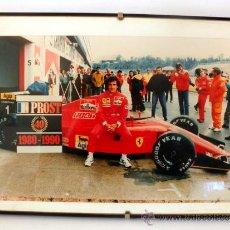 Coleccionismo deportivo: FOTOGRAFIA ENMARCADA DE ALAIN PROST FERRARI * 1980 - 1990 * TRIUNFO NUMERO 40 * F1. Lote 33998012
