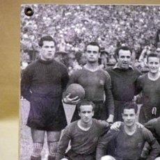 Coleccionismo deportivo: FOTOGRAFÍA. DEPORTIVA. FUTBOL CLUB BARCELONA. 1940S. Lote 37652728