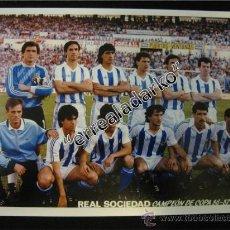 Coleccionismo deportivo: FOTOGRAFIA 15X21 REAL SOCIEDAD CAMPEON DE COPA 1986-1987. Lote 39003475