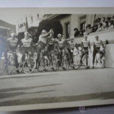 Coleccionismo deportivo - FOTOGRAFIA ORIGINAL EQUIPO CICLISMO CERVEZA DAMM AÑOS 60 VUELTA ESPAÑA - 43471532
