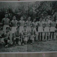 Coleccionismo deportivo: FOTO DE EQUIPO DE FUTBOL TAMAÑO 13 CM X 18 CM. Lote 44375305