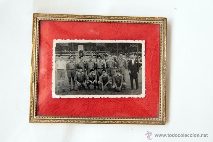 ANTIGUA FOTO DEL ALCOYANO, AÑO 1953. ORIGINAL Y CUÑADA. ENMARCADA. (Coleccionismo Deportivo - Documentos - Fotografías de Deportes)