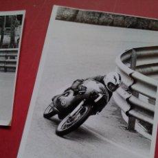 Coleccionismo deportivo: ANGEL NIETO - CARRERAS MONTJUICH - 1977 - 2 FOTOGRAFIAS. Lote 46775634