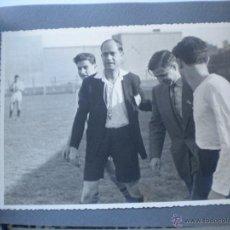 Coleccionismo deportivo: ALBUM DE 18 FOTOGRAFIAS DE FUTBOL, UNIO ATLETICA HORTA? 1950'S.. Lote 47089525