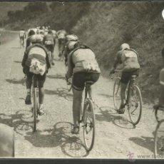 Coleccionismo deportivo: CICLISMO - VOLTA CICLISTA A CATALUNYA AÑO 1935 - FOTOGRAFIA BADOSA - MIDE 11,5 X 17 CM. - (F-908). Lote 47146331