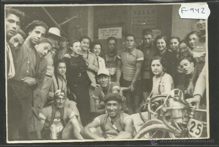 CICLISMO - VOLTA CICLISTA A CATALUNYA AÑO 1935 - FOTOGRAFIA BADOSA - MIDE 11,5 X 17 CM. - (F-942) (Coleccionismo Deportivo - Documentos - Fotografías de Deportes)