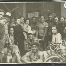 Coleccionismo deportivo: CICLISMO - VOLTA CICLISTA A CATALUNYA AÑO 1935 - FOTOGRAFIA BADOSA - MIDE 11,5 X 17 CM. - (F-942). Lote 47147287