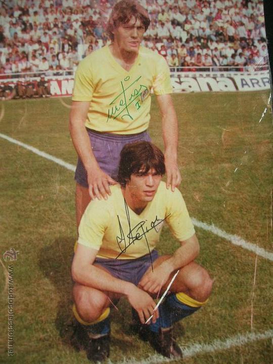 Coleccionismo deportivo: Pepe y Salvador Mejias.Cádiz C.F.Años 80.Fotografia firmada por ellos.Tamaño: 31 x 20 ctms. - Foto 2 - 47683836