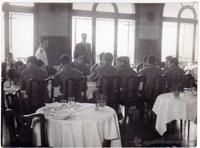 Coleccionismo deportivo: FC BARCELONA. Barça. Liga 1958-59. 9 Fotos ORIGINALES.de una concentración. 18 x 13 ctms. - Foto 6 - 48810712