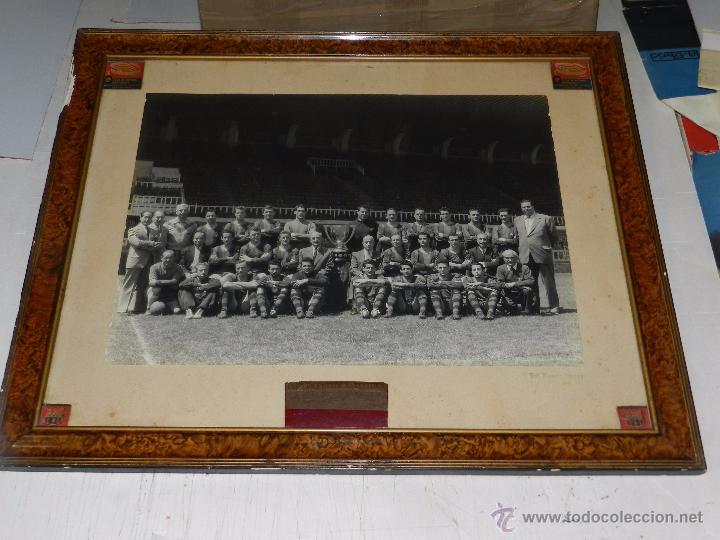Coleccionismo deportivo: FC BARCELONA - GRAN FOTOGRAFIA ORIGINAL DE LA PLANTILLA DEL FC BARCELONA, KUBALA, CESAR, RAMALLETS - Foto 3 - 49228758