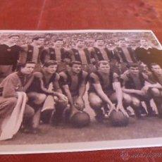 Coleccionismo deportivo - ALINEACIÓN F.C.BARCELONA TEMPORADA 60-61-FOTO (13 X 18 CM) BARÇA CAMP NOU - 49364149