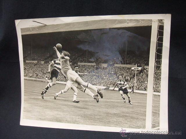 1959 1960 - WEMBLEY - FINAL AMATEUR DE FUTBOL - KINGSTONIAN - HENDON - DORSO CON FIRMAS - (Coleccionismo Deportivo - Documentos - Fotografías de Deportes)