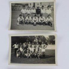 Coleccionismo deportivo: M-434. FOTOGRAFIAS DE EQUIPOS DE FUTBOL AÑOS CUARENTA. LOTE DE TRES FOTOGRAFIAS. . Lote 49995382