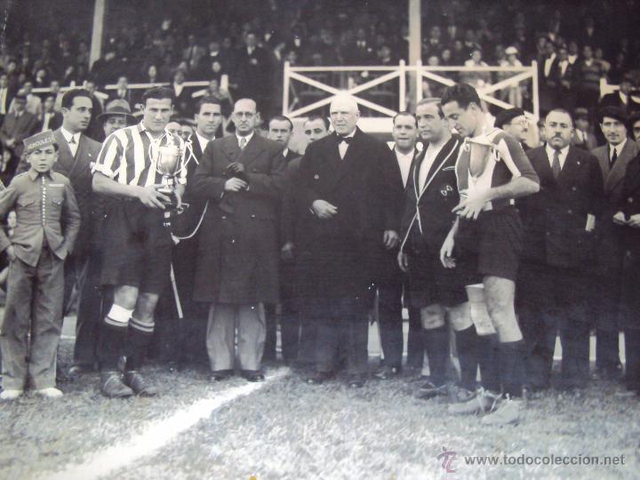 (F-0801)FOTOGRAFIA PARTIDO DE FUTBOL HERCULES C.F.-ATHLETIC DE BILBAO,12 DE ENERO DE 1933 (Coleccionismo Deportivo - Documentos - Fotografías de Deportes)