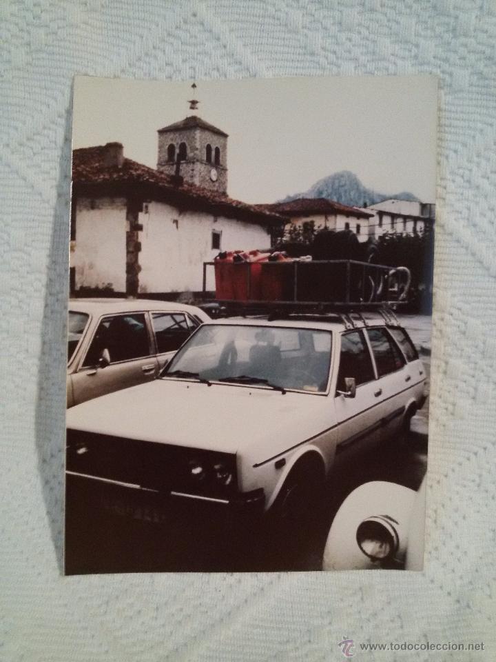 Coleccionismo deportivo: FOTO ANTIGUA -II RALLYE DE INVIERNO-1980-ASISTENCIA- RIAÑO. - Foto 2 - 50876969
