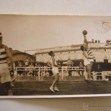 Coleccionismo deportivo: FOTOGRAFÍA ORIGINAL PARTIDO DE BALONCESTO DEL R.C.D. ESPAÑOL CONTRA EL REAL MADRID C.F. JUNIO 1940. Lote 52320160