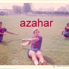 Coleccionismo deportivo: FOTOGRAFIA ORIGINAL, ENTRENAMIENTO DEL F.C.BARCELONA, AÑO 1973,126X88MM. Lote 52644498