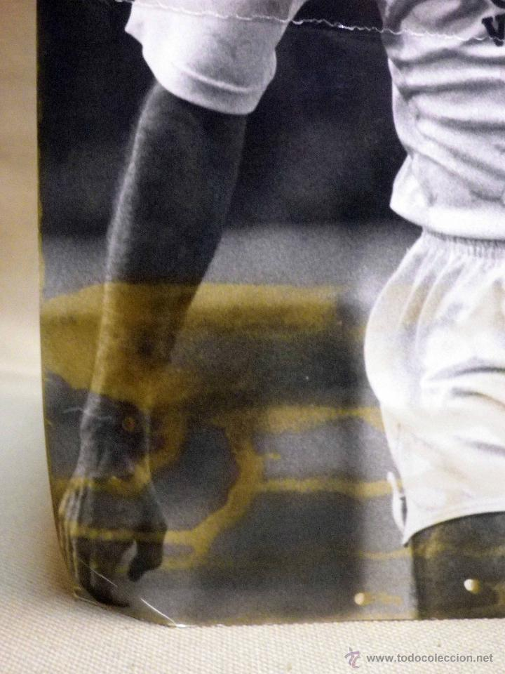 Coleccionismo deportivo: ANTIGUA FOTOGRAFIA, DEPORTES, JUGADOR DEL VALENCIA CLUB DE FUTBOL, TEMPORADA 1990 - 1991 - Foto 3 - 53113747