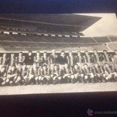 Coleccionismo deportivo: FOTO 15 X 10 CENT FUTBOL CLUB FC BARCELONA F.C BARÇA CF EQUIPO FC BARCELONA AÑOS 50 KUBALA. Lote 53521462