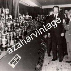 Coleccionismo deportivo: BARCELONA,1977, INAUGURACION EXPOSICION TROFEOS F.C.BARCELONA, 75 ANIVERSARIO,178X128MM. Lote 58755280