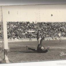 Coleccionismo deportivo: FOTOGRAFIA FUTBOL. CADIZ CF. GOL DE BOLEA. FOTO SILVESTRE. 18 X 12CM. Lote 58770381