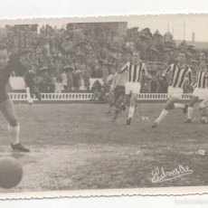 Coleccionismo deportivo: FOTOGRAFIA FUTBOL. CADIZ CF - BADAJOZ. TIRO DE BOLEA. FOTO SILVESTRE. Lote 58774201
