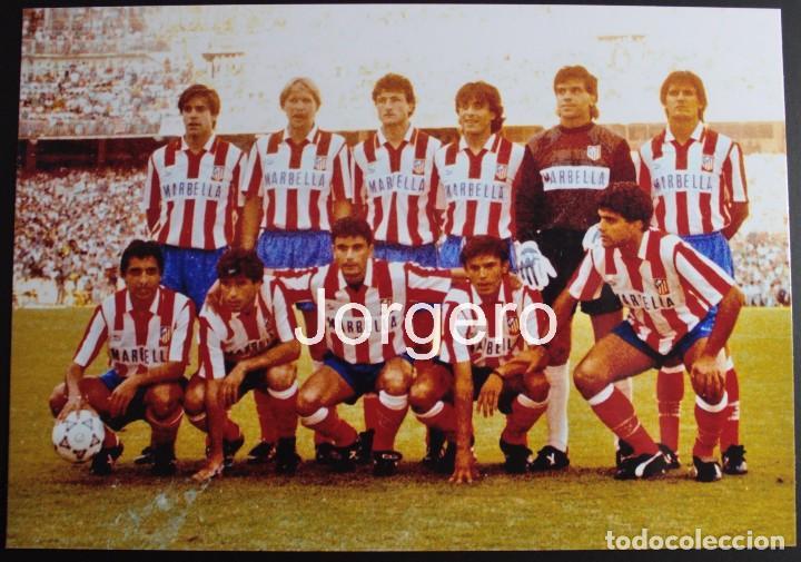 AT. MADRID. ALINEACIÓN CAMPEÓN COPA DEL REY 1990-1991 EN EL BERNABÉU CONTRA EL MALLORCA. FOTO (Coleccionismo Deportivo - Documentos - Fotografías de Deportes)