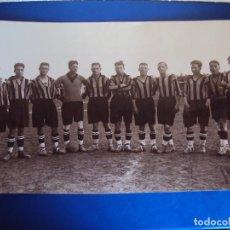 Coleccionismo deportivo: (F-170101)IMPRESIONANTE FOTOGRAFIA C.F.TARRAGONA O REUS DEPORTIVO AÑOS 20 - MEDIDAS (49,5 X 29 CM.). Lote 71477227