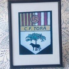 Coleccionismo deportivo: C.F. TORÀ - FOTOGRAFIA CON MARCO Y CRISTAL. Lote 73513167