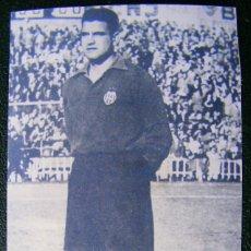 Coleccionismo deportivo: FOTOGRAFÍA - PORTERO DEL VALENCIA - QUIQUE MIDE 13,5 X 8 CM. Lote 75604603