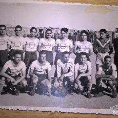 Coleccionismo deportivo: VALENCIA. DISCÓBOLO A.C. FÚTBOL. FOTO ORIGINAL 1948. Lote 80777310