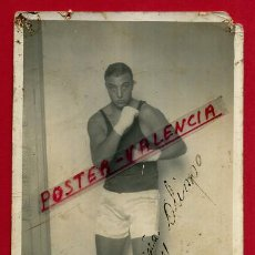 Coleccionismo deportivo: FOTOGRAFIA BOXEO, FOTO BOXEADOR AGUILAR , AUTOGRAFO , POSTAL , ORIGINAL ,BX89. Lote 83306020