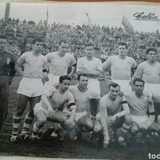 Coleccionismo deportivo: FÚTBOL CLUB CELTA DE VIGO,GALICIA, FOTO ORIGINAL, AÑOS 50, LA QUE SE VÉ . Lote 91579034