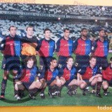 Coleccionismo deportivo: ALINEACIÓN F.C. BARCELONA - FOTOGRAFÍA ORIGINAL DE ÉPOCA - AÑOS 90´S - 15 X 22 CM. Lote 93845080