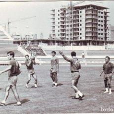 Coleccionismo deportivo: CÁDIZ. FOTOGRAFÍA ORIGINAL DE JUMAN ENTRENAMIENTOS DEL F.C. BARCELONA. Lote 94151480