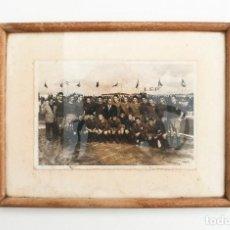 Coleccionismo deportivo: FOTOGRAFÍA CLUB FÚTBOL PONTEVEDRA EN EL ESTADIO DE PASARÓN. ENMARCADA, AÑOS 50-60. Lote 97632855