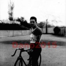 Coleccionismo deportivo: TELMO GARCIA CICLISTA 1927 - NEGATIVO DE CRISTAL - FOTOGRAFIA ANTIGUA. Lote 102936407