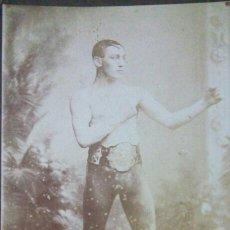 Coleccionismo deportivo: FRED JOHNSON *ANTIGUA FOTOGRAFIA ALBUMINA ORIGINAL* FAMOSO BOXEADOR PIEZA UNICA!. Lote 103418268